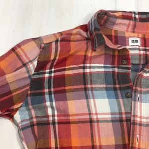 UNI QLO plaid flannel shirt size L